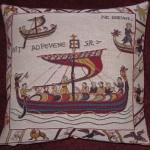 K3908 Bayeux Teppich Kissen Schiff