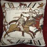K3948 Teppich von Bayeux - zwei Reiter als Kissen