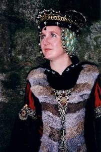 Kopfbedeckung nach Maria von Burgund Grabplatte