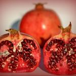 Granatapfelfrucht aufgeschnitten