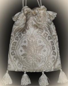 Brautbeutel aus creme weißen Brokat